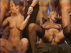 Swapping porn clips - vintage classic porn